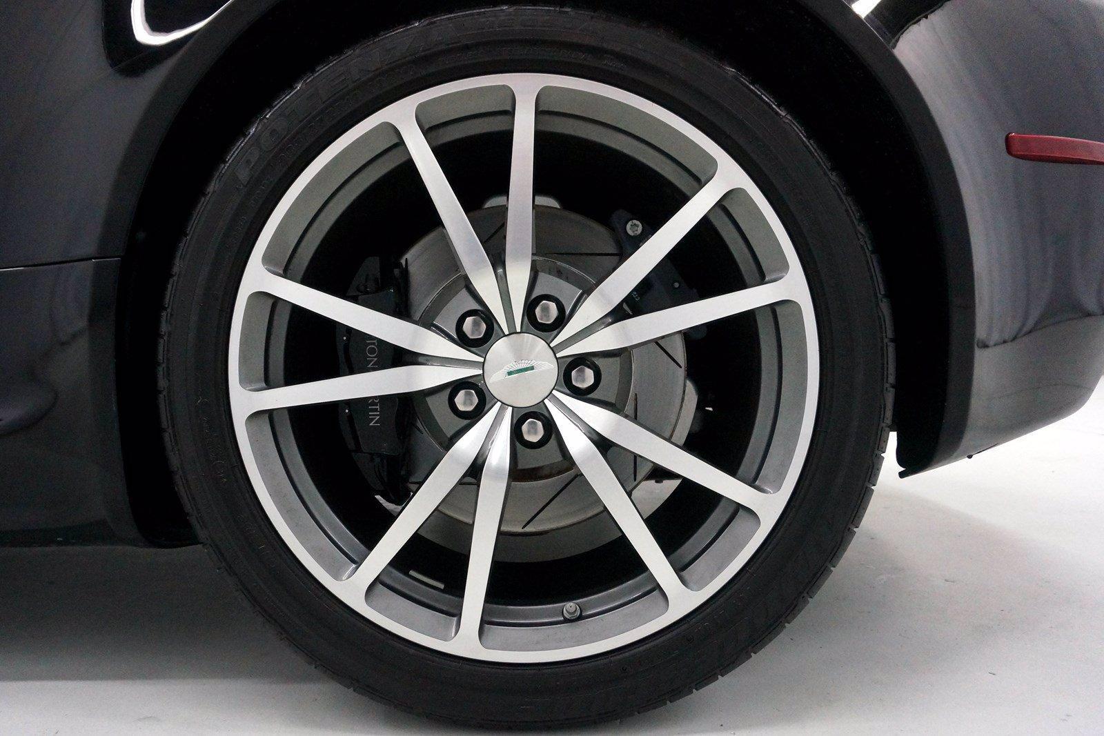 Used-2015-Aston-Martin-V8-Vantage