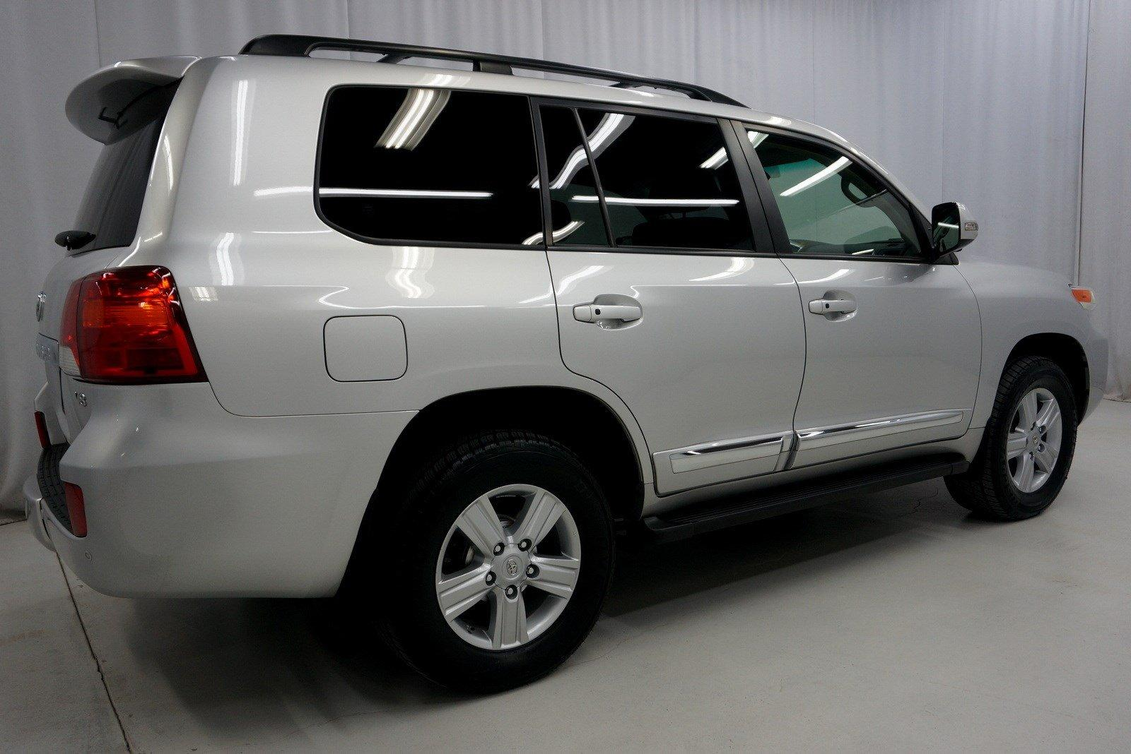 Used-2013-Toyota-Land-Cruiser