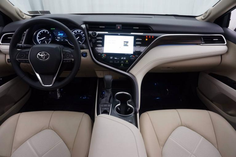 Used-2018-Toyota-Camry-XLE